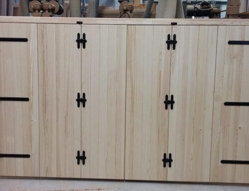 Infisso in legno rustico personalizzato